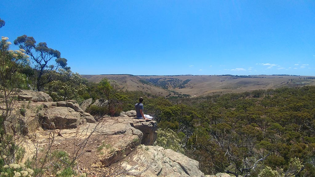 Werribee Gorge State Park Hiking Clifftop