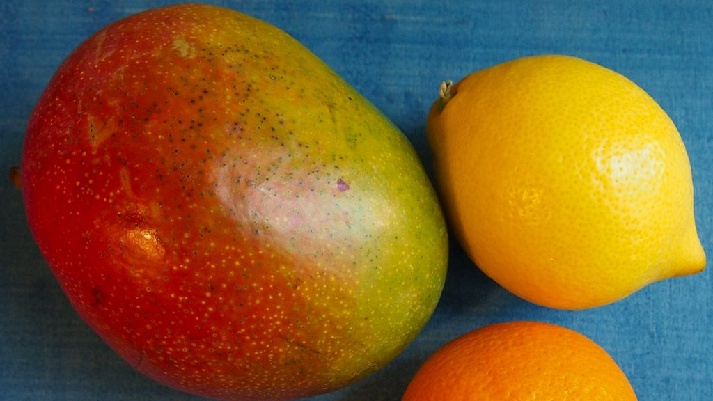 Is this what 'lingo' means in Australian slang? An exotic fruit, a cross between a mango and a lemon? only1invillage