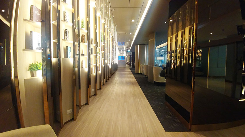 Bangkok Miracle First Class Lounge entrance only1invillage