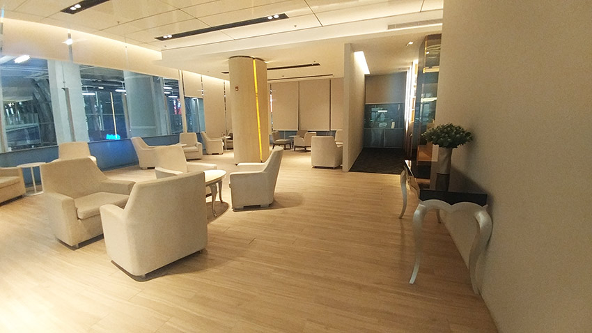 Bangkok Miracle First Class Lounge quieter seating area only1invillage