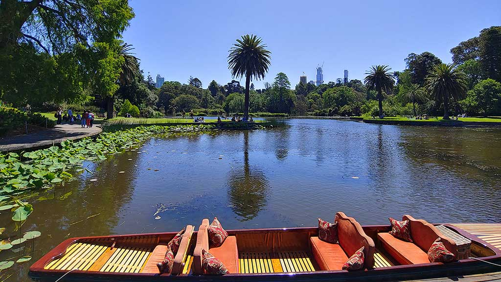 Row Boat Royal Botanical Gardens Melbourne
