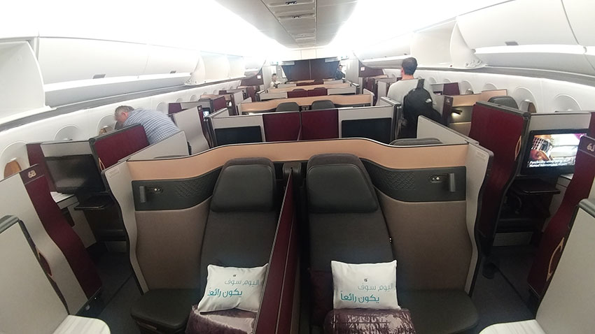 Qatar Qsuite A350-1000 Doha to SIngapore review cabin configuration
