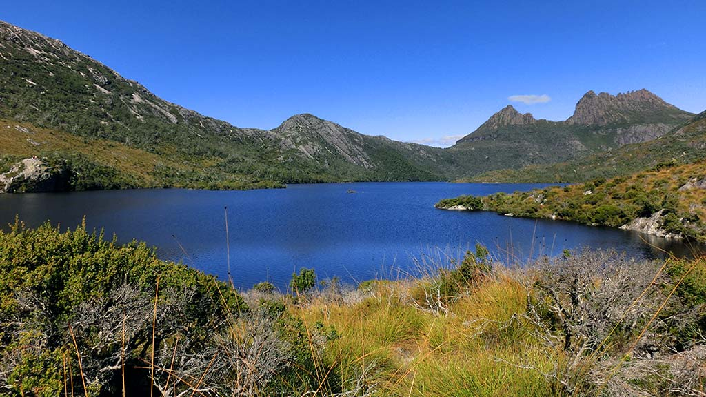 Cradle mountain lake Tasmania