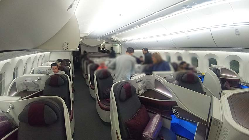 Qatar 787-8 dreamliner business class lgw to doha seat herringbone configuration