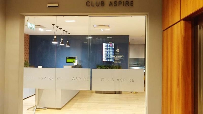Gatwick Aspire Lounge used by Qatar Airways for its business class passengers review by only1invillage