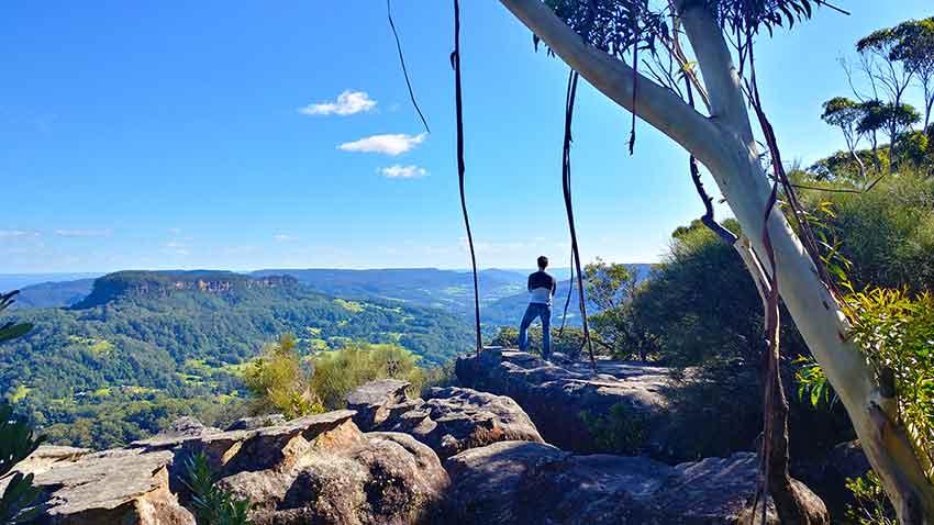 views over Kangaroo Valley top of Drawing Room Rocks NSW