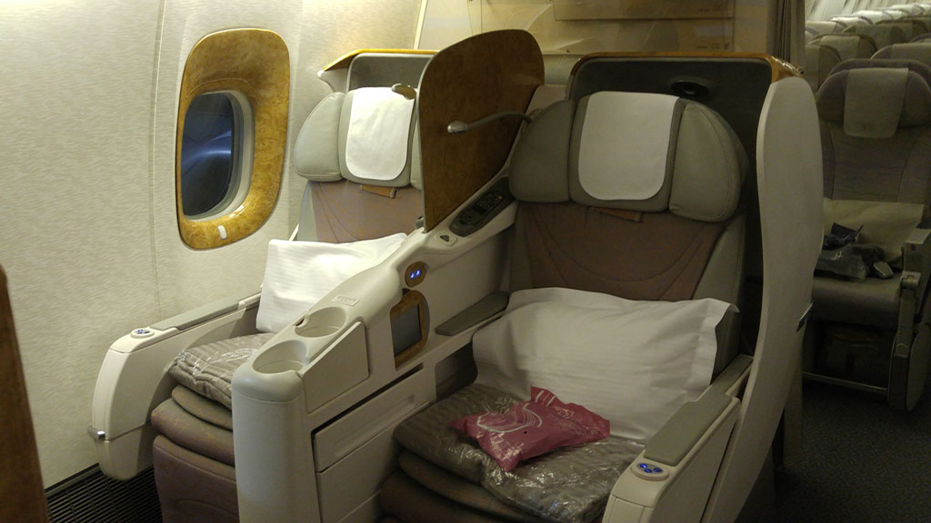 Emirates 777-300 Business class review Denpasar to Dubai 1